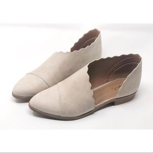Scalloped Cut Out Detail Flats in Beige